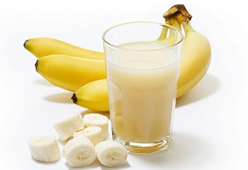 tẩy-trang-với-chuối-và-sữa-đậu-nành