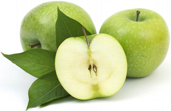 trị-tàn-nhang-bằng-tinh-dầu-táo-xanh